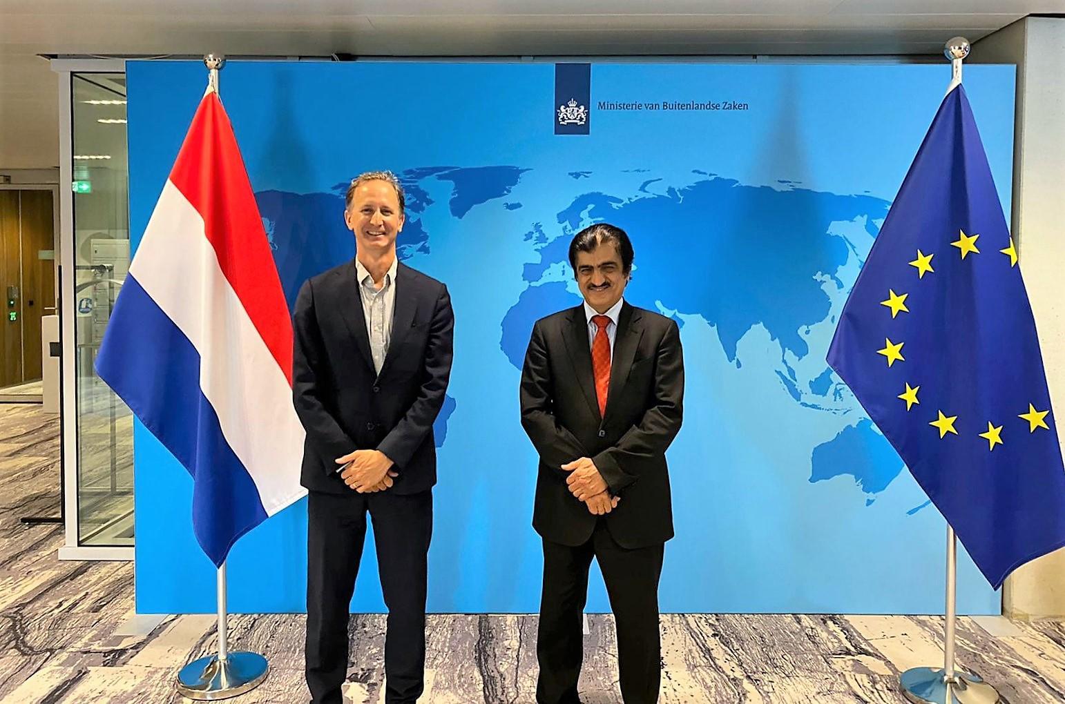 رسالة من نائب رئيس مجلس الوزراء وزير الخارجية لوزيرة الخارجية بالإنابة في هولندا