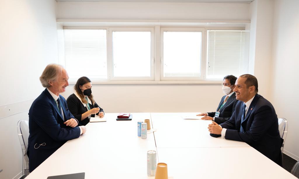 نائب رئيس مجلس الوزراء وزير الخارجية يجتمع مع مبعوث الأمم المتحدة الخاص إلى سوريا
