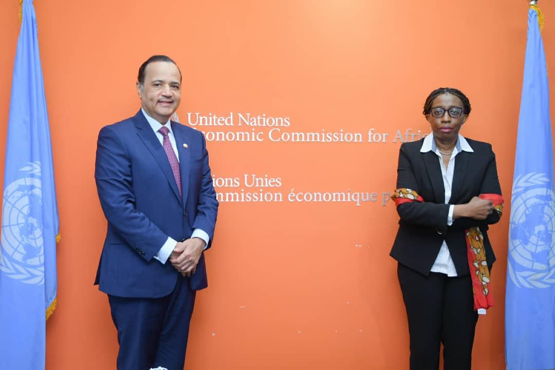السكرتيرة التنفيذية للجنة الاقتصادية لأفريقيا تجتمع مع سفير قطر