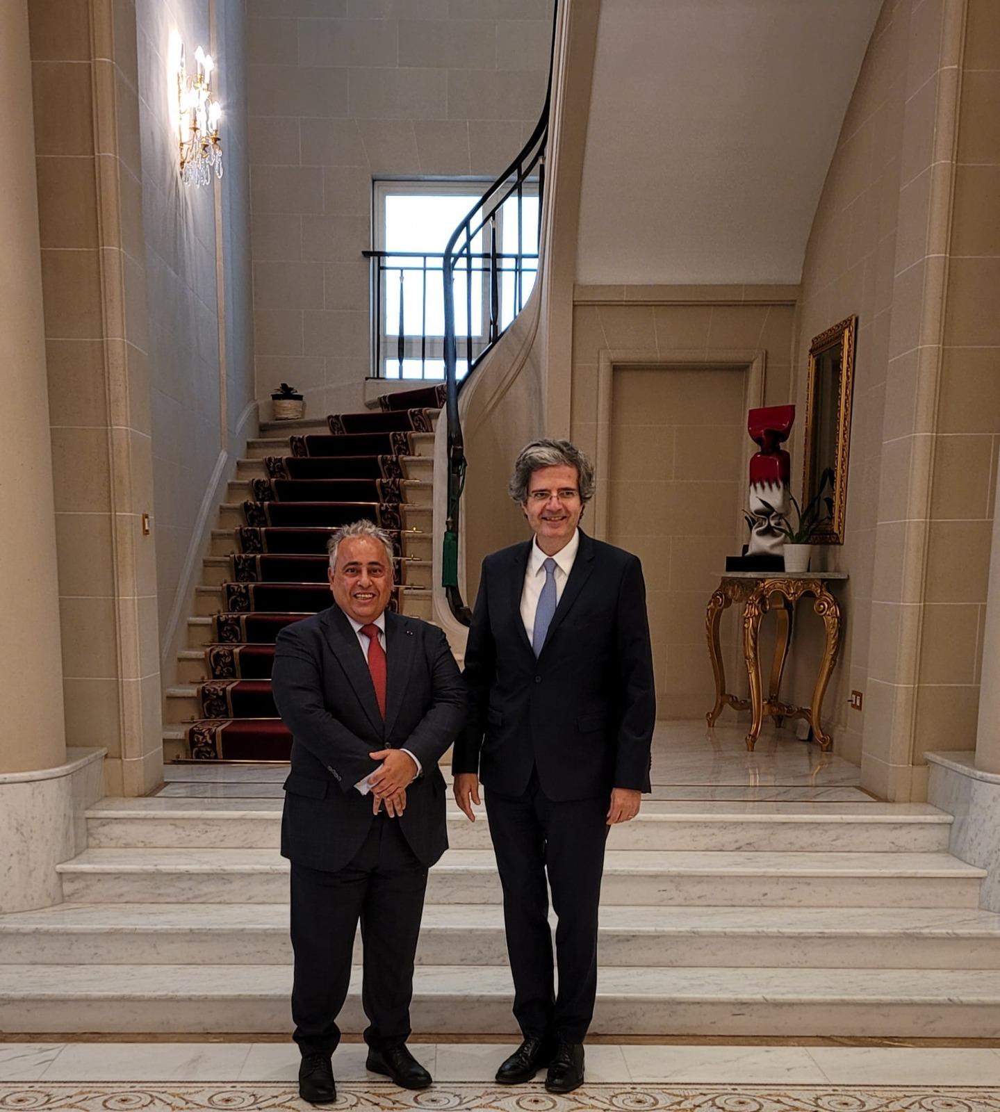 أمين عام الخارجية الفرنسية يجتمع مع سفير قطر