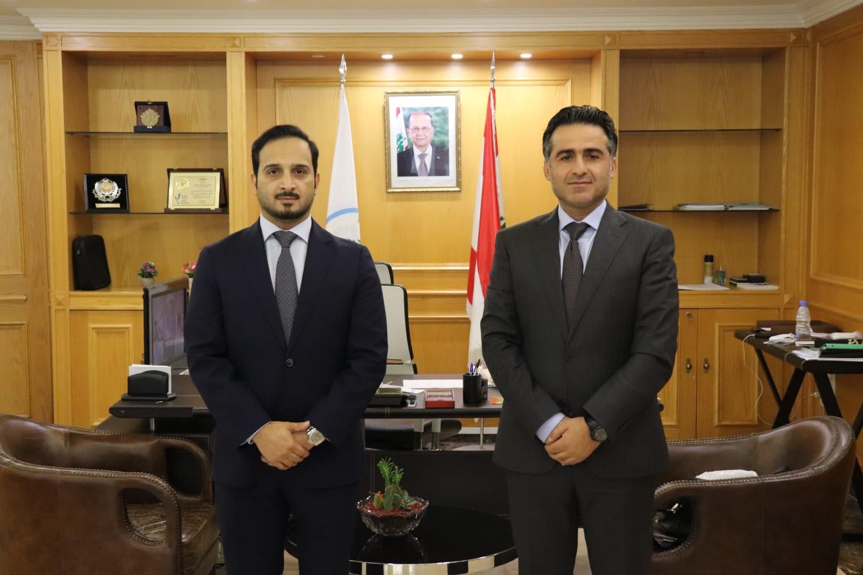 وزير الأشغال العامة والنقل اللبناني يجتمع مع القائم بالأعمال القطري