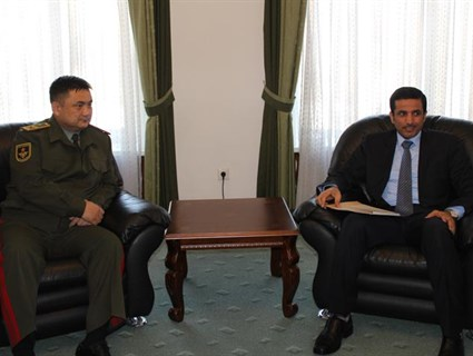 وزير الدفاع القيرغيزي يستقبل سفيرنا